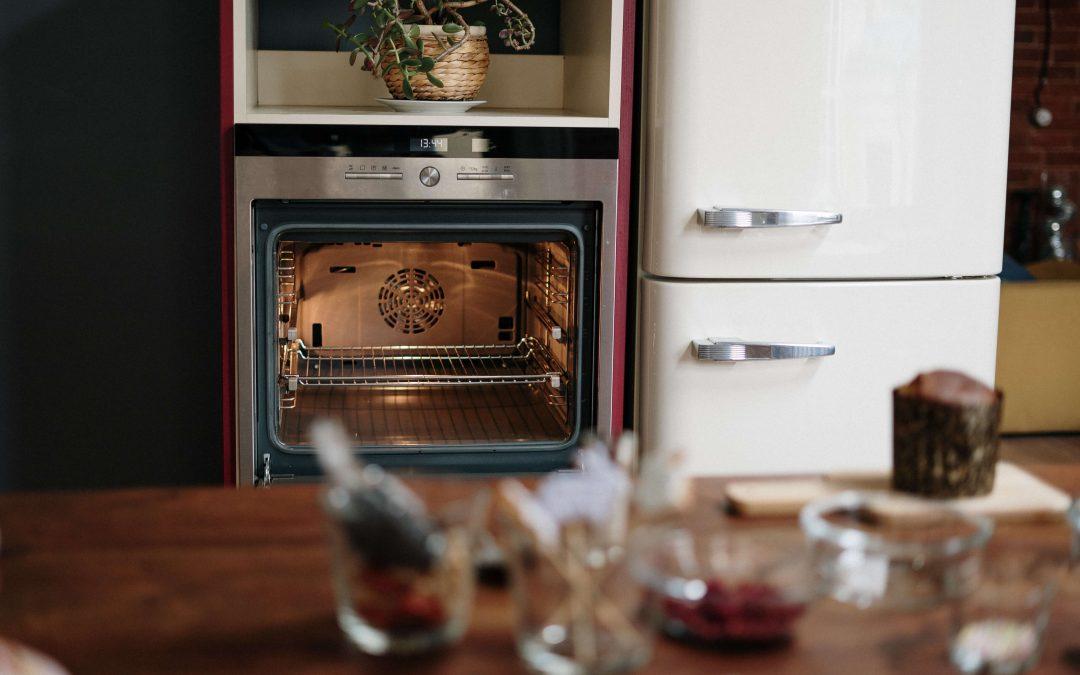 ¿Cómo limpiar un horno muy sucio?